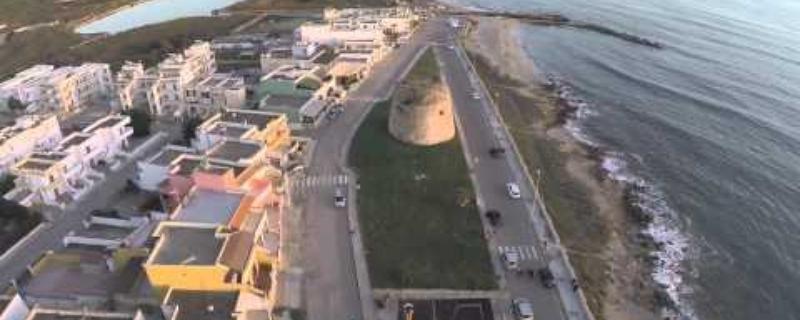 La Spiaggia di Torre Mozza di Ugento   video effettuato con drone sulla zona della torre
